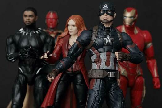 El gran sitio de Los Vengadores de Marvel. Figuras de Marvel Legends y Marvel Titan hero series