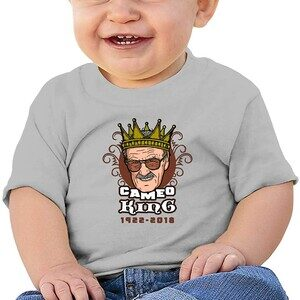 Camiseta Bebé Stan Lee Cameo King