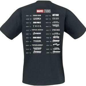 Camiseta Marvel Más que un fan espalda