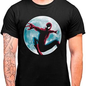 Camiseta Spider-Man Spider Moon (La Colmena)