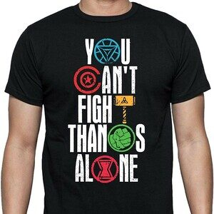 Camiseta You Can't Fight Thanos Alone