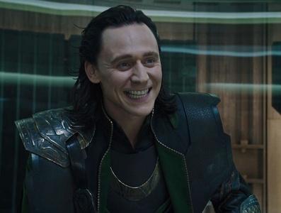 Serie Loki. Loki sonriente