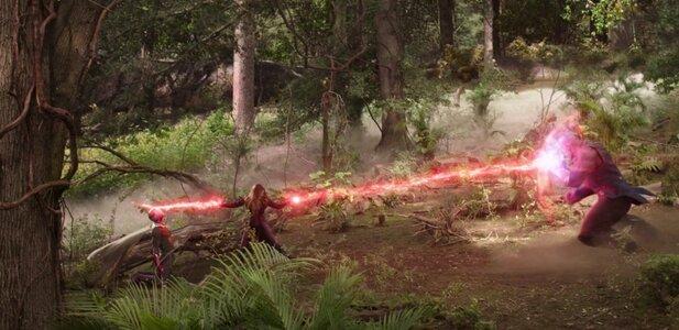 Wandavision Wanda destruye gema y lucha contra Thanos