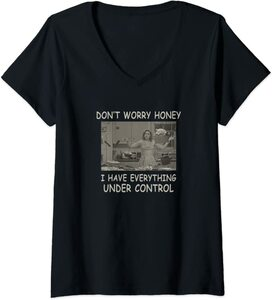 Camiseta Cuello V Marvel Wandavision TV Todo bajo Control